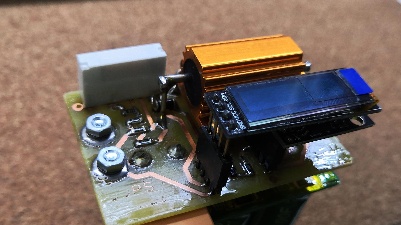 UPS se superkapacitory pro 3D tiskárnu