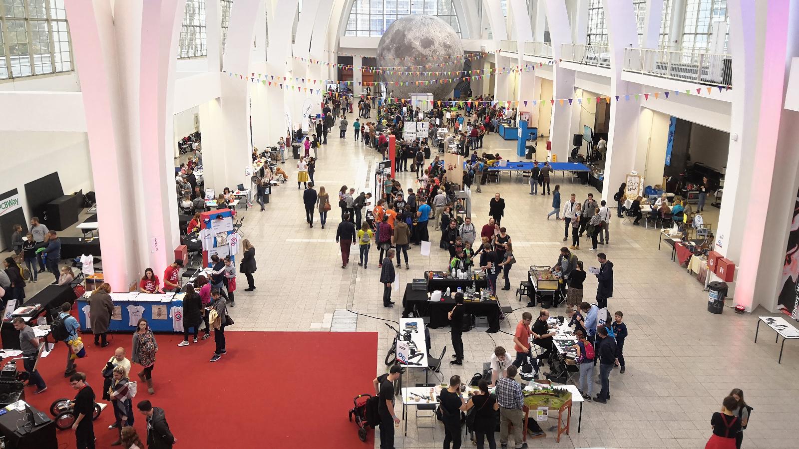 Mini Maker Faire Brno - The Moon