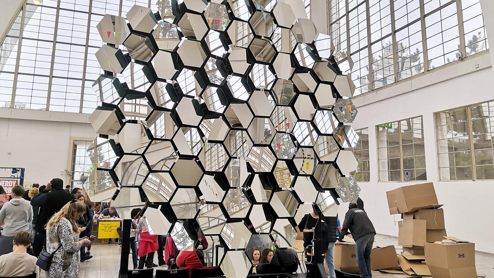 Mini Maker Faire Brno - Zrcadlení