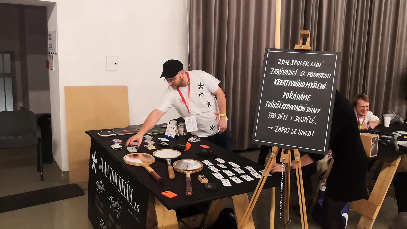 Recyklační dílna Mini Maker Faire Bratislava