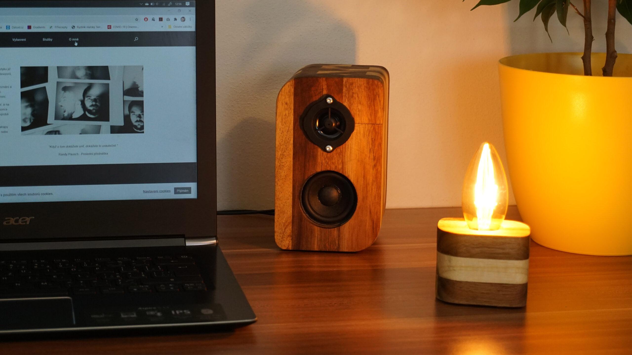 Příslušenství z akátového dřeva - detail