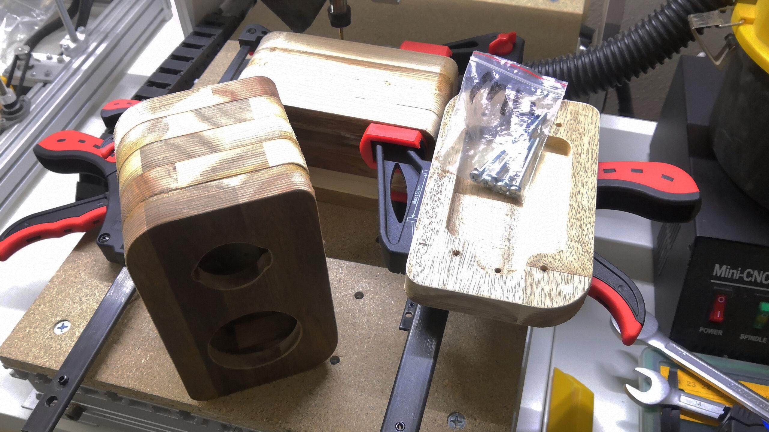 Lepení akátového dřeva