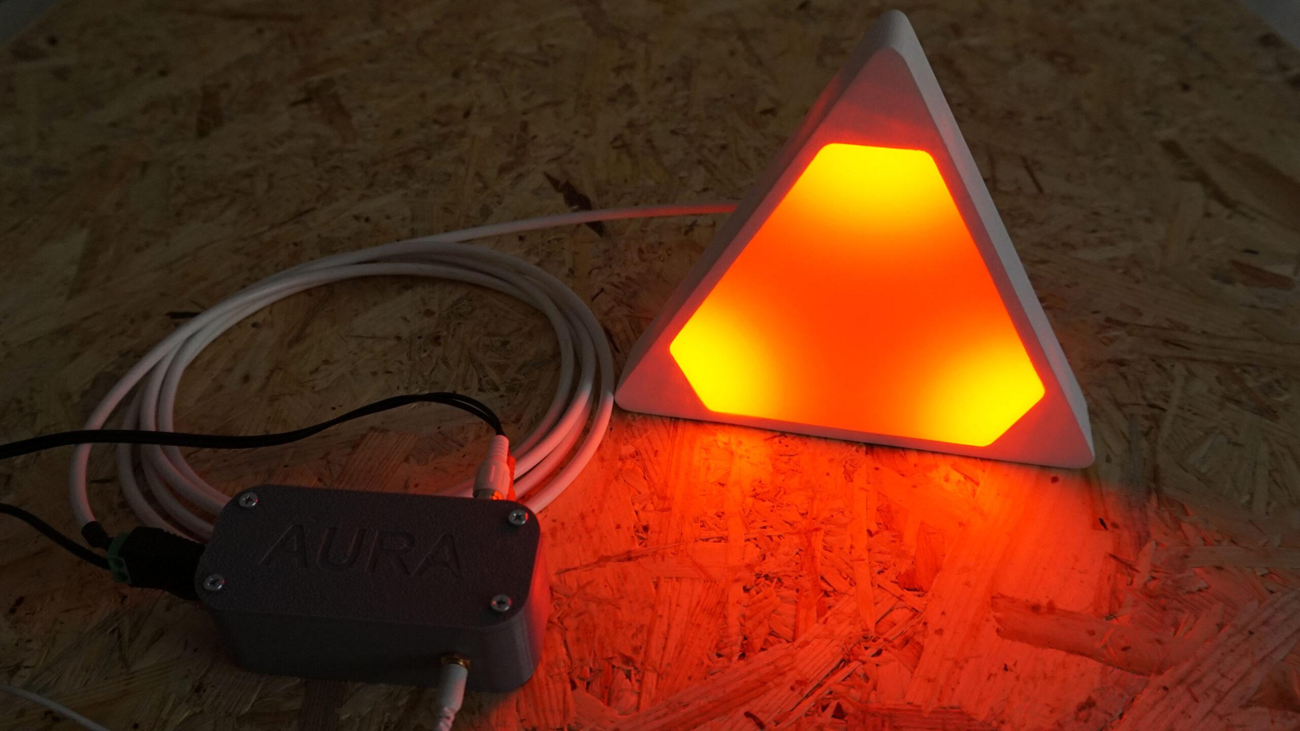 Aura - svit ve tmě